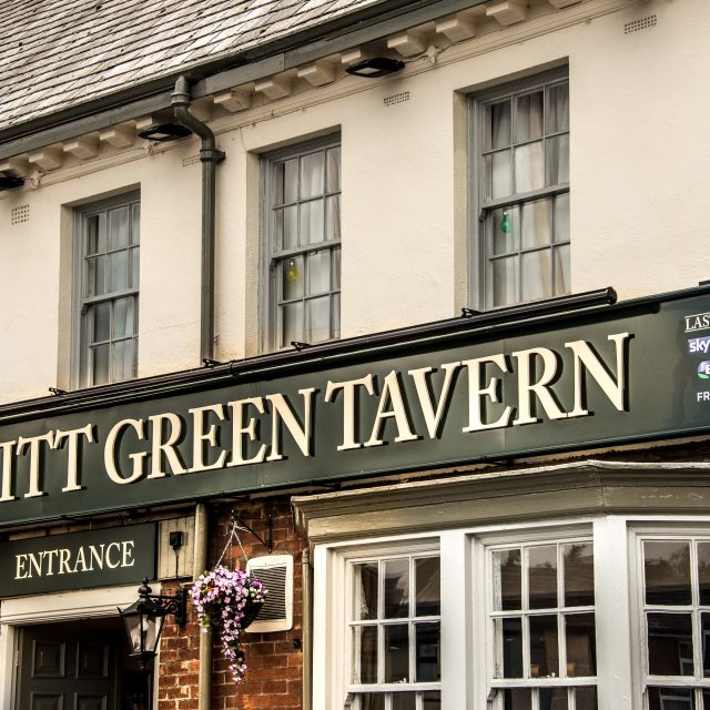 Kitt Green Tavern
